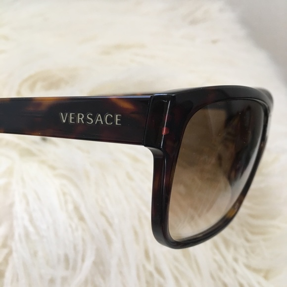 c8bb292033e Versace Tortoiseshell Polarized Sunglasses!Classy!  M 5c61fec6534ef97ba658dad1. Other Accessories ...